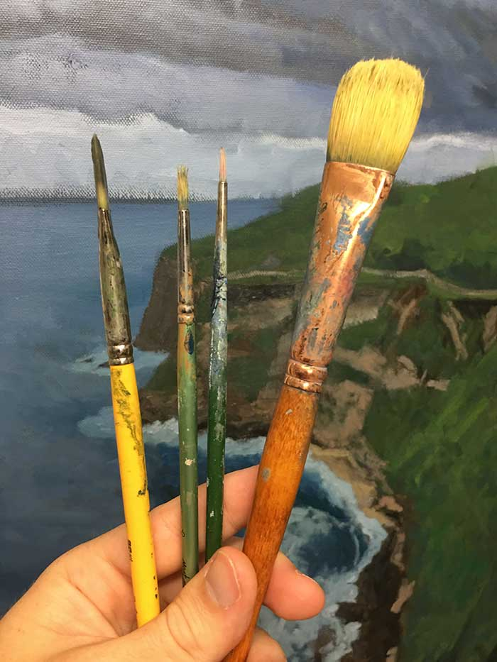 Different artist paint brushes